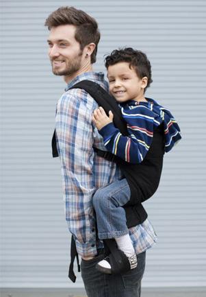 Марк Спенсор и эрго-рюкзак со стременами Boba Family