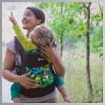 Элизабет с рюкзаком фирмы Boba Family
