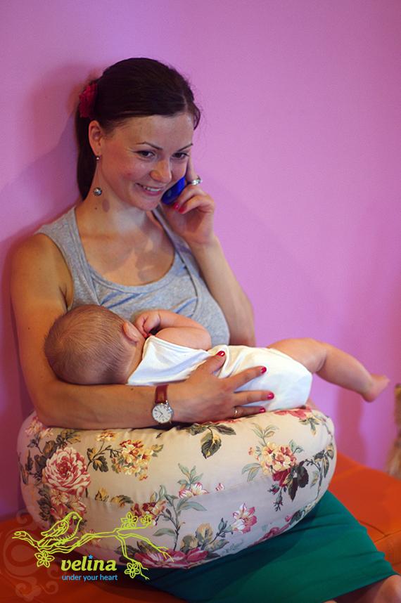 Подушка для кормления Velina для мам, которые часто и много говорят по телефону
